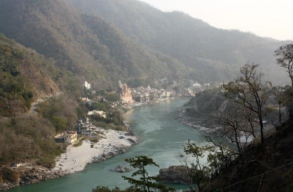 Lakshman_Jhula,_Rishikesh,_Uttarakhand,_India